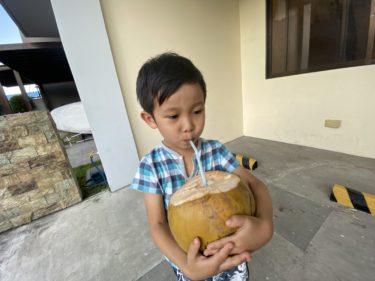 フィリピンのココナッツジュース初体験